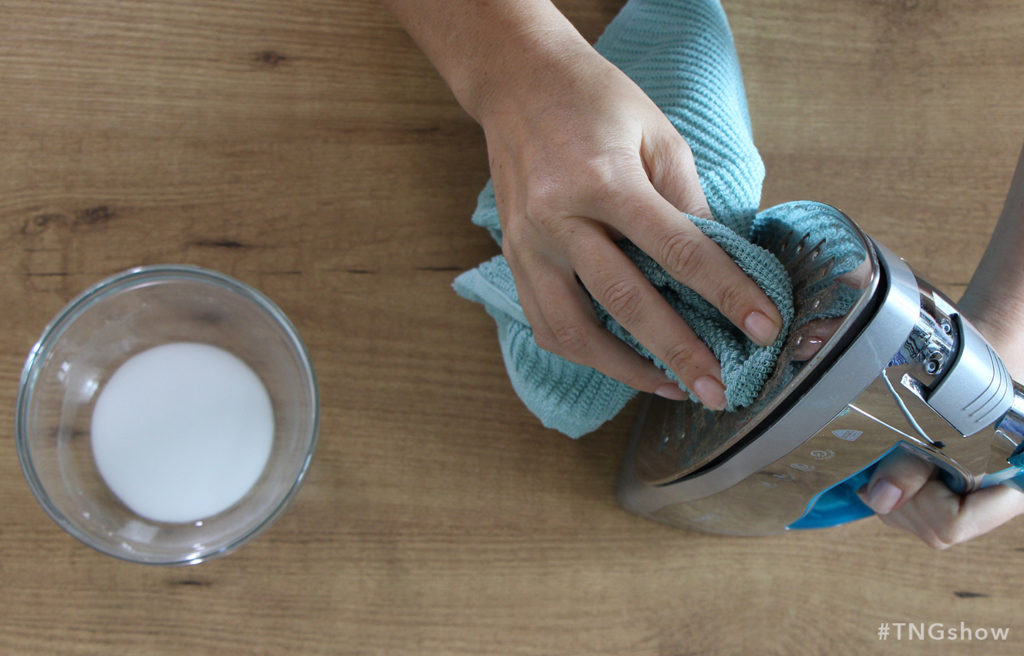 Baking Soda Scrub recipe for cleaning an iron from The Normal Girl Show